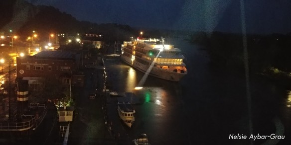 Cruise ship arrives in the night